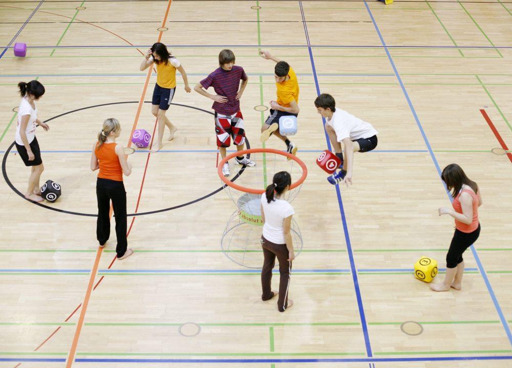Schulsport mit Schülerinnen und Schülern in Aachen